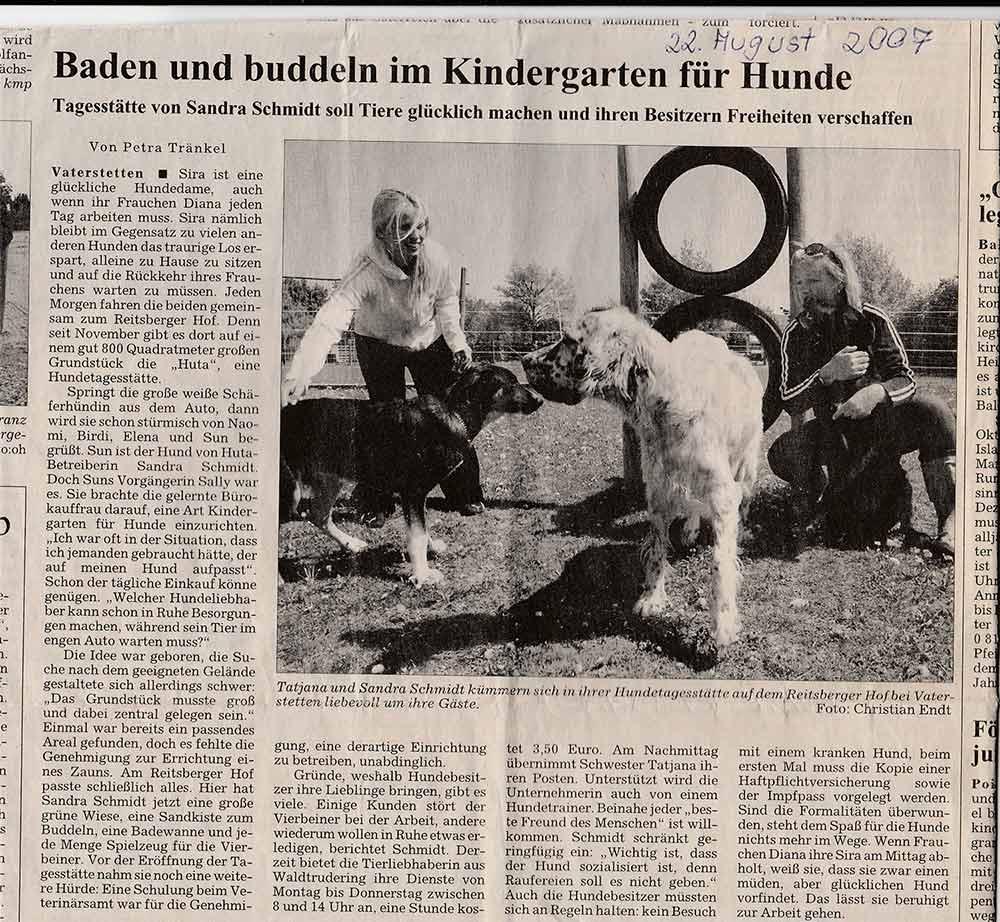 Baden und Buddel im Kindergarten für Hunde in Vaterstetten